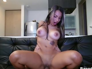 Catalina Diaz In Pounding A Colombian Mummy - Bangbros