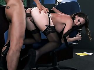 Keni Styles Has Never-to-be-forgotten Hump With Brown-haired Jennifer Dark