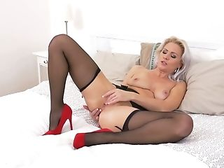 Sexy Lady In Crimson Kathy Anderson Is Masturbating Adorable Cooter