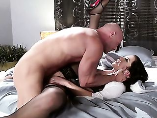 Johnny Sins Plays With Dribbling Humid Snatch Of Jayden Jaymes Before He Bangs Her Hard