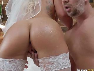 Crazy And Wild Bride Cali Carter Luvs Hard-core Fuck With A Stranger