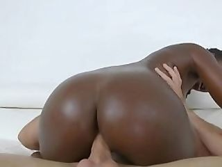Dirty Dancing Nubian With Smalltits Railing Dick