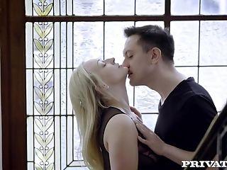 Rich Tramp Natalia Starr Turns Nymphomaniac After Fuck Escapade!