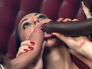 Angell Summers Deffinitely Knows How To Please More Than One Penis