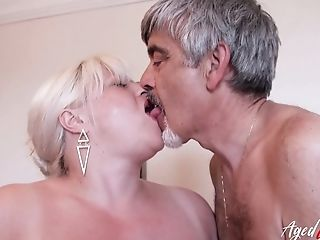 Horny Friend Is Playing With Hairy Matures Vag Of Big-boobed Blonde